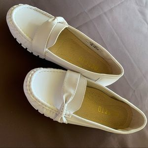 White moccasin look shoe